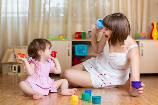 Anak sering main di lantai? Ini 3 cara menjaga kebersihan rumah