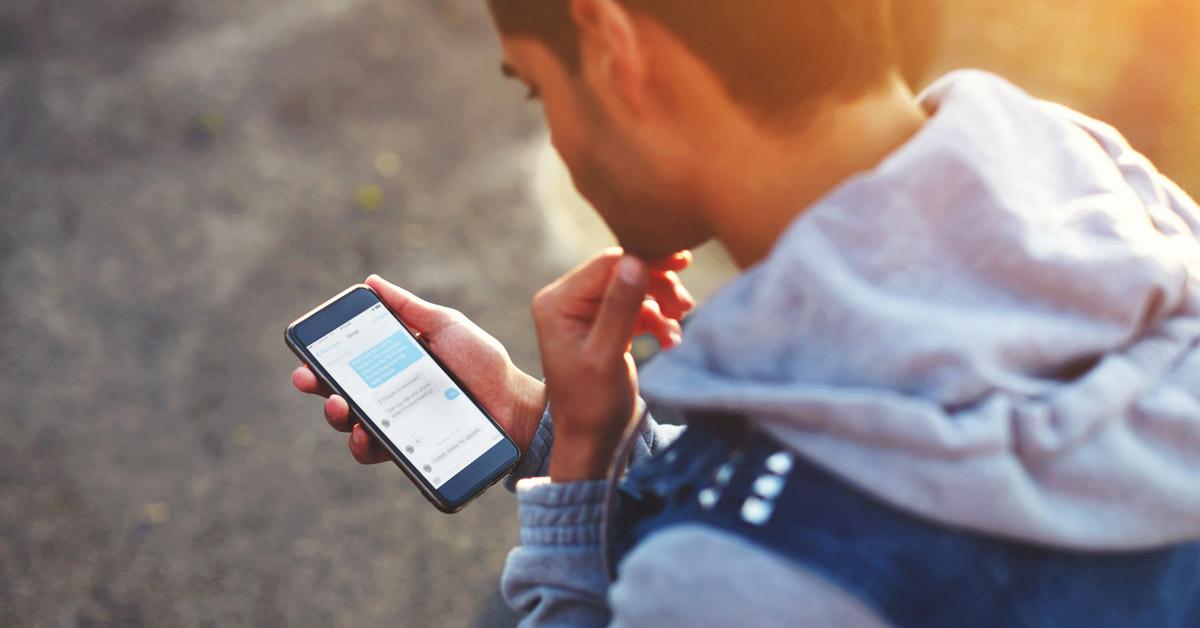 Buat pria, perhatikan 9 hal ini saat memulai hubungan melalui chat
