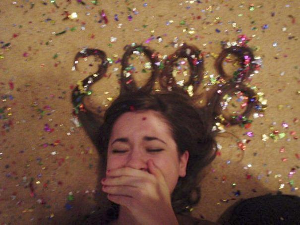 10 Foto wanita membentuk rambutnya berupa angka tahun baru, unik