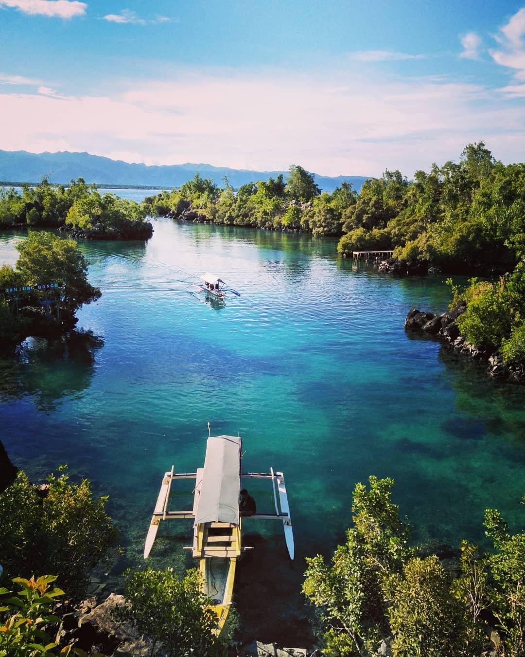 Tak hanya Bali, Indonesia juga punya tempat lain yang tak kalah indah