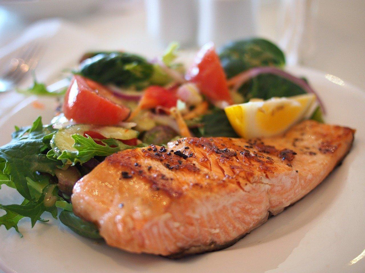 Konsumsi 4 makanan ini agar terhindar dari kanker payudara