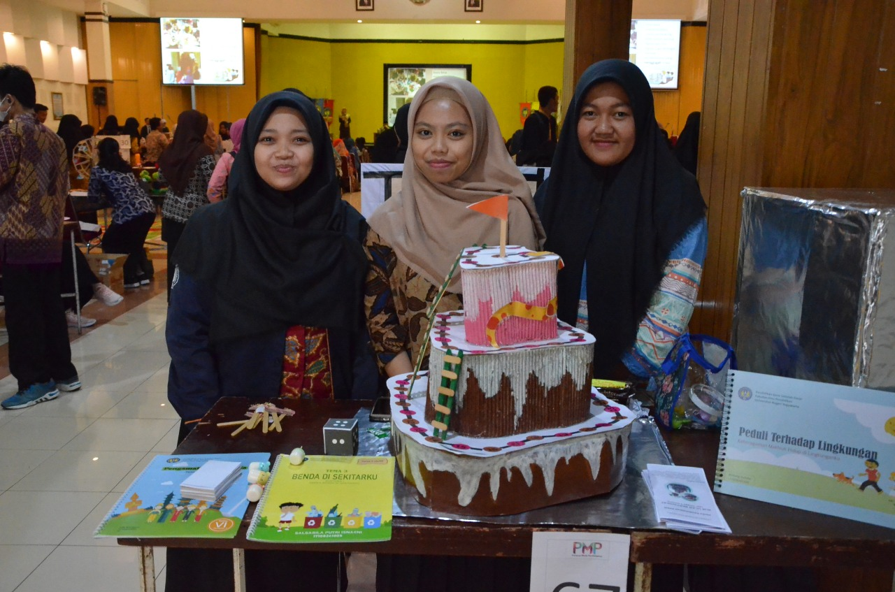 Mahasiswa PGSD UNY ciptakan media pembelajaran 'Kue Ular Bertingkat'