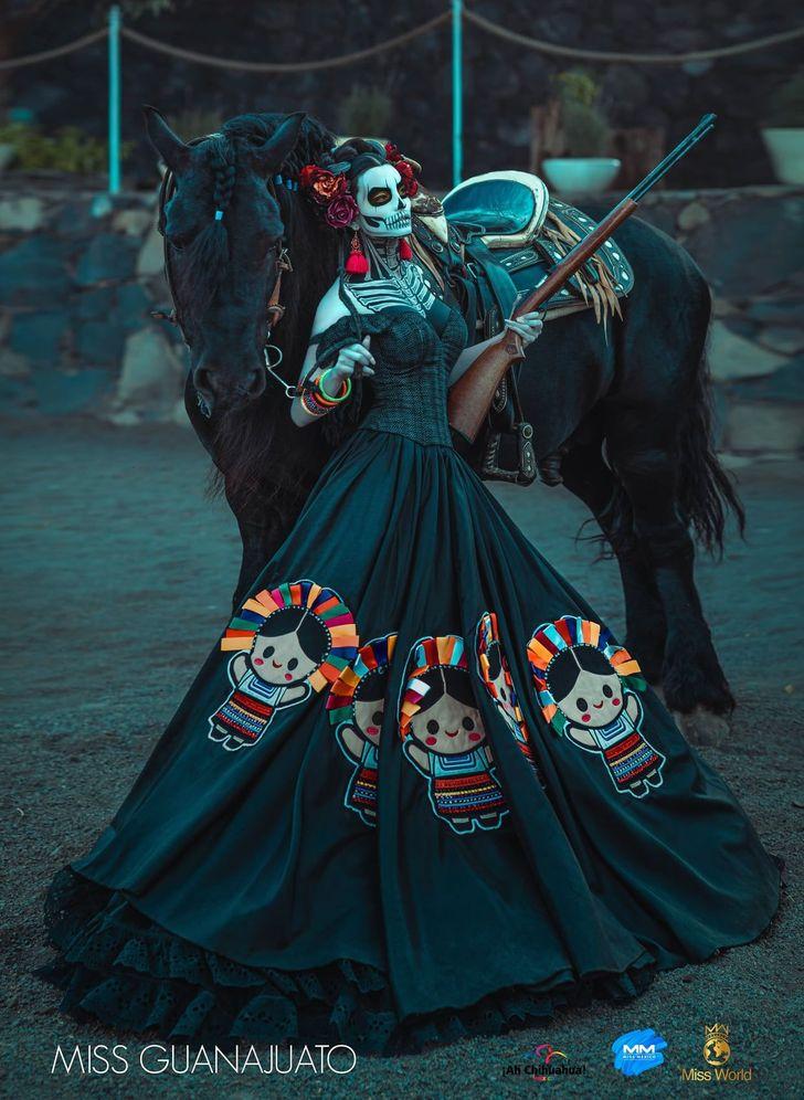 7 Kostum cantik sekaligus seram saat perhelatan Miss Meksiko 2020