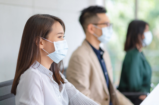 5 Tips mengatasi kendala komunikasi akibat penggunaan masker