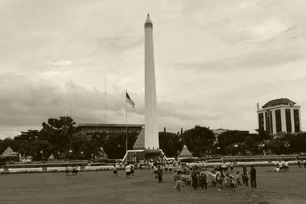 Tugu Pahlawan: Strategi dekolonisasi di Surabaya