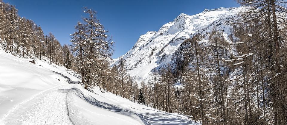 10 Negara dengan Pemandangan Salju Terindah di Dunia