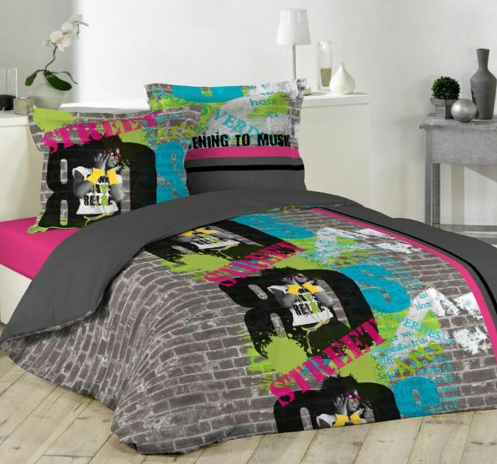 10 Sprei motif grafiti warna-warni ini bikin ranjangmu makin indah