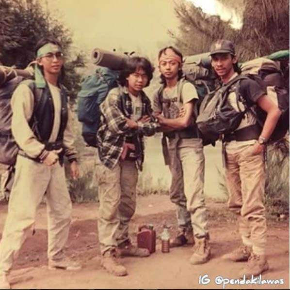 Potret Lawas Ari Lasso, Piyu Padi dan Ahmad Dhani saat mendaki Semeru