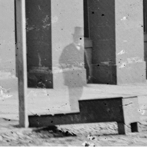 6 Penampakan hantu paling terkenal di dunia, ada sosok Abraham Lincoln