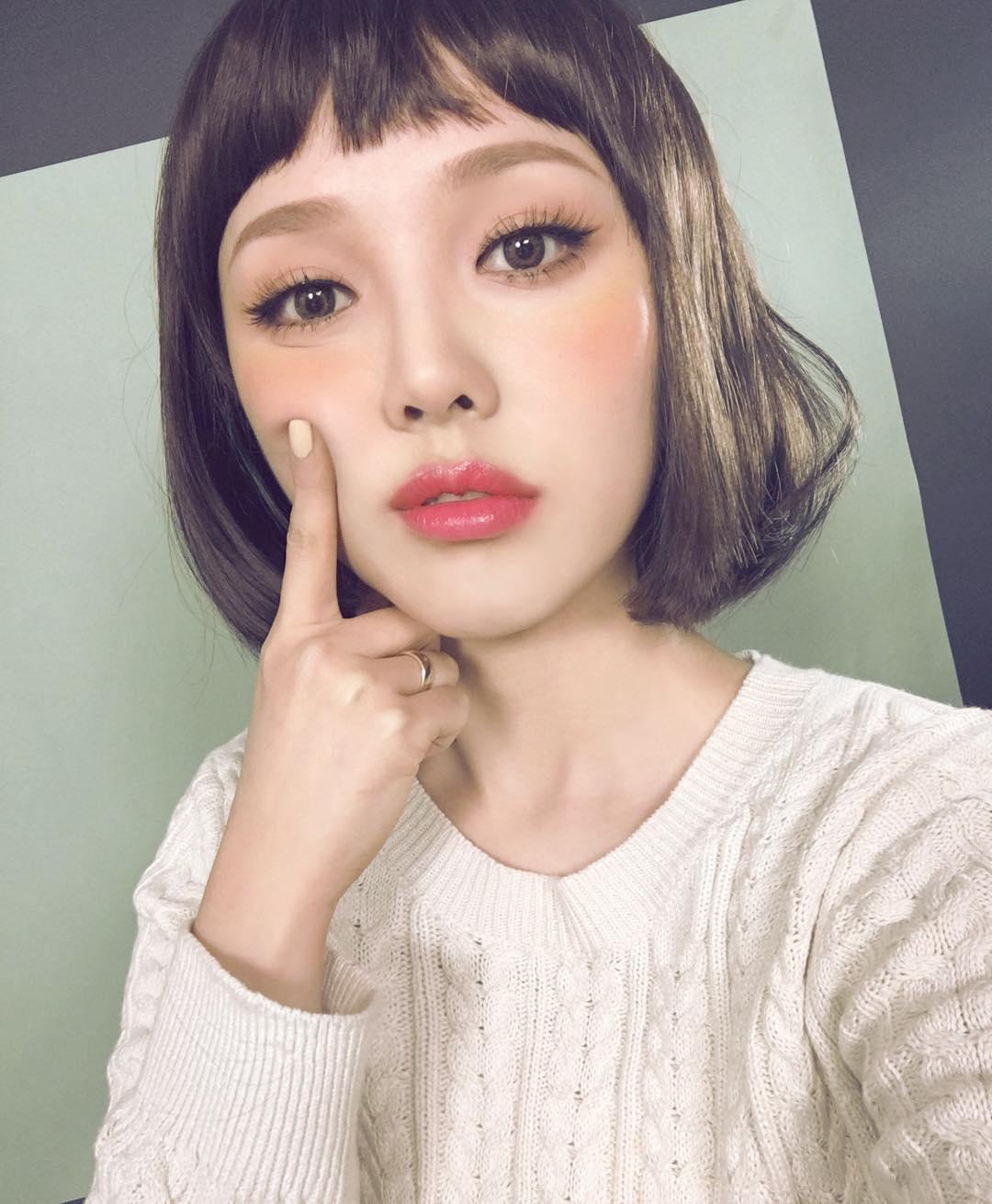 5 Gaya rambut ala Beauty Vlogger Korea Pony fa73ac1b00