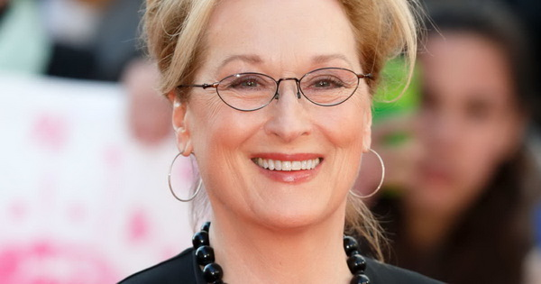 http://www.vulture.com/2017/11/meryl-streep-opens-up-about-sexual-attack-with-cher.html