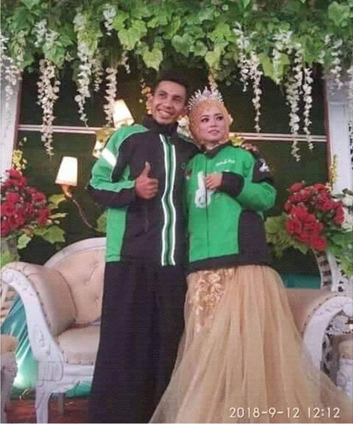 13 Potret keseruan tamu dan pengantin di pelaminan, kocak abis!