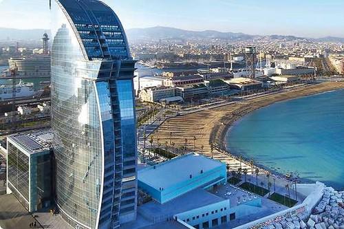 10 Bangunan kaca dari berbagai negara ini arsitekturnya luar biasa