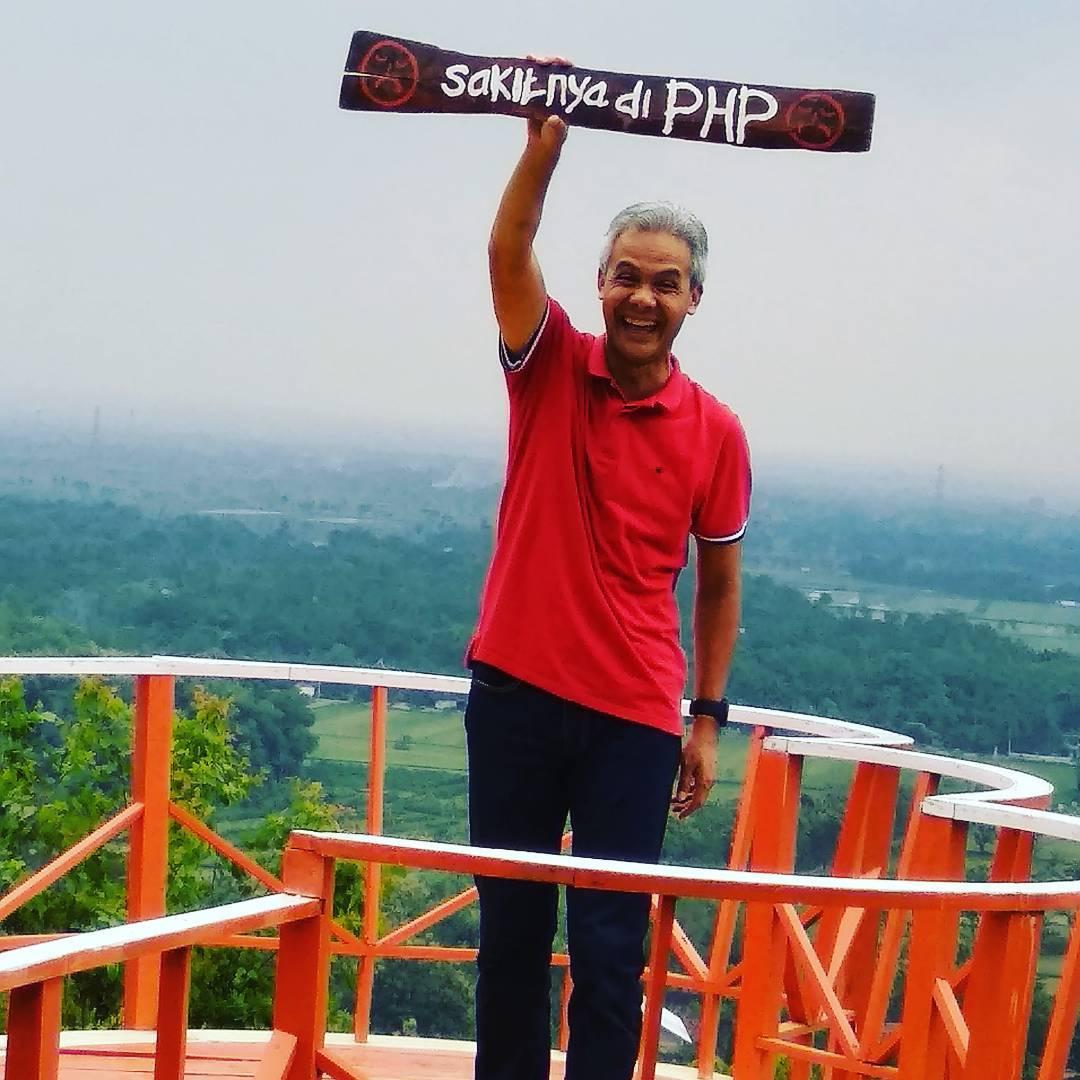 21 Gaya millenial ala Ganjar Pranowo, gubernur Jateng yang gaul
