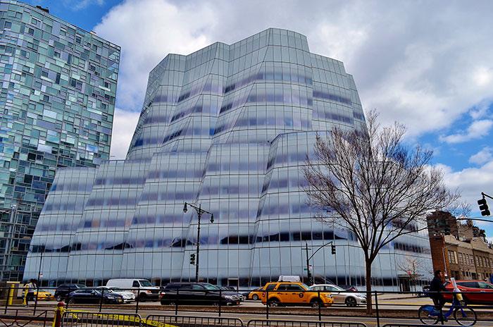 18 Gedung berbentuk unik dari seluruh dunia ini kerennya kebangetan