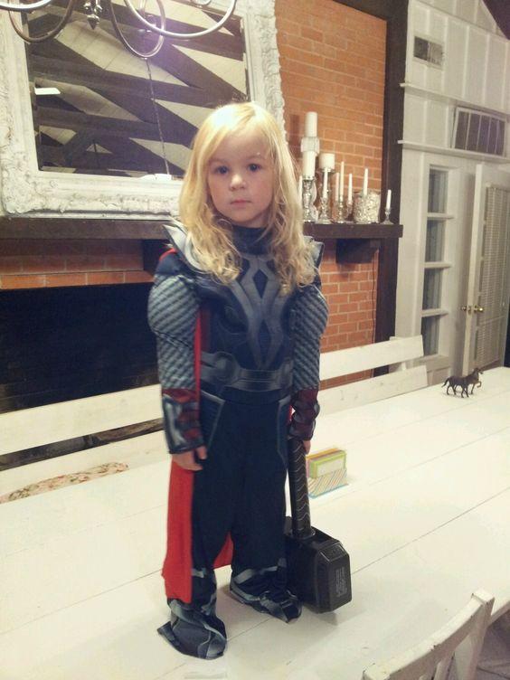8 Potret cosplay anime & superhero balita ini bikin gemas