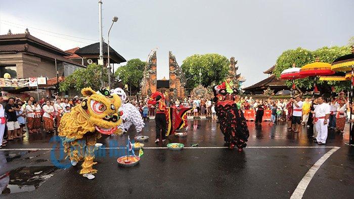 Begini 10 tradisi unik merayakan Imlek di Indonesia, seru dan meriah