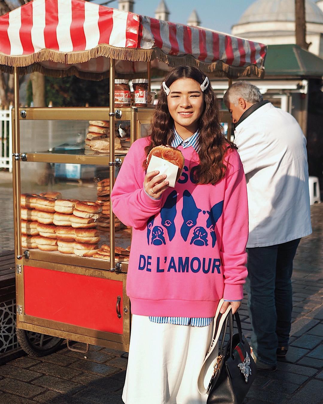 8 Fashion super nyaman dari Anastasi Siantar ini bisa banget dicoba
