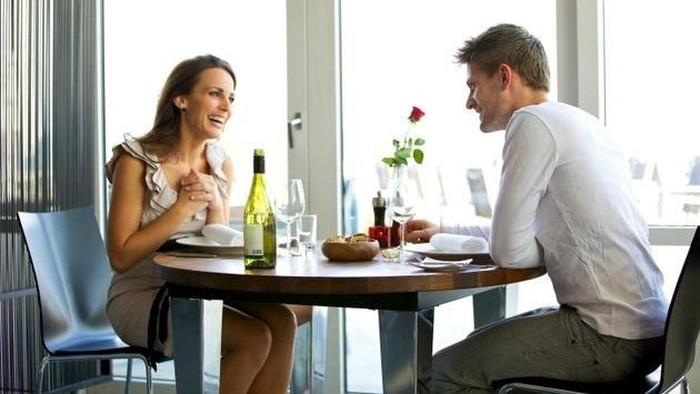 4 Cara melamar antimainstream ini pasti disukai para wanita