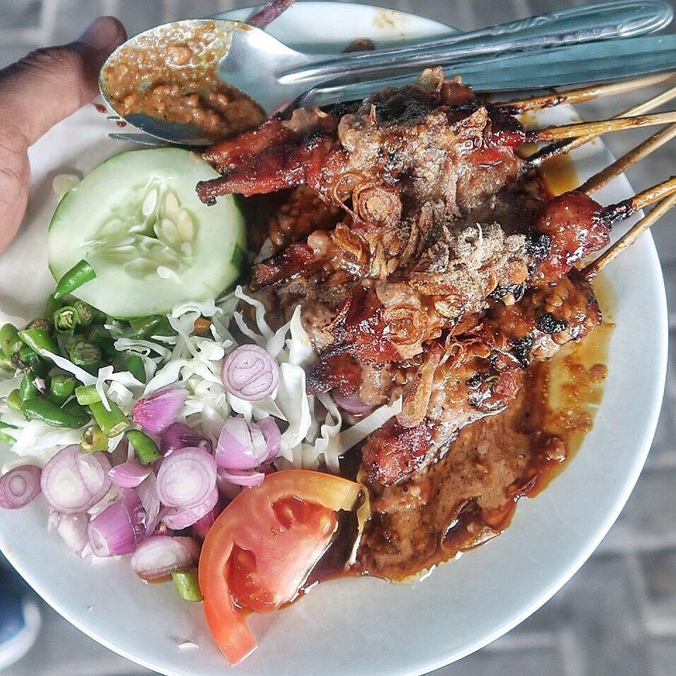 Satu porsi sate kambing Kronggahan