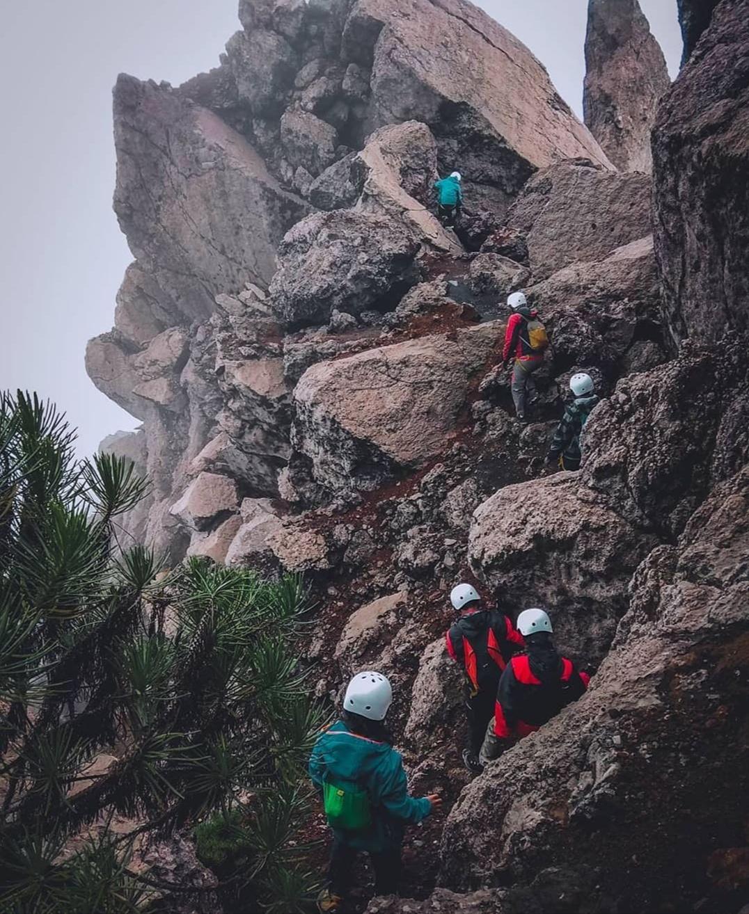 5 Alasan mengapa kamu beruntung punya pasangan seorang pendaki