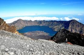 4 Gunung di Indonesia ini punya biaya pendakian termahal