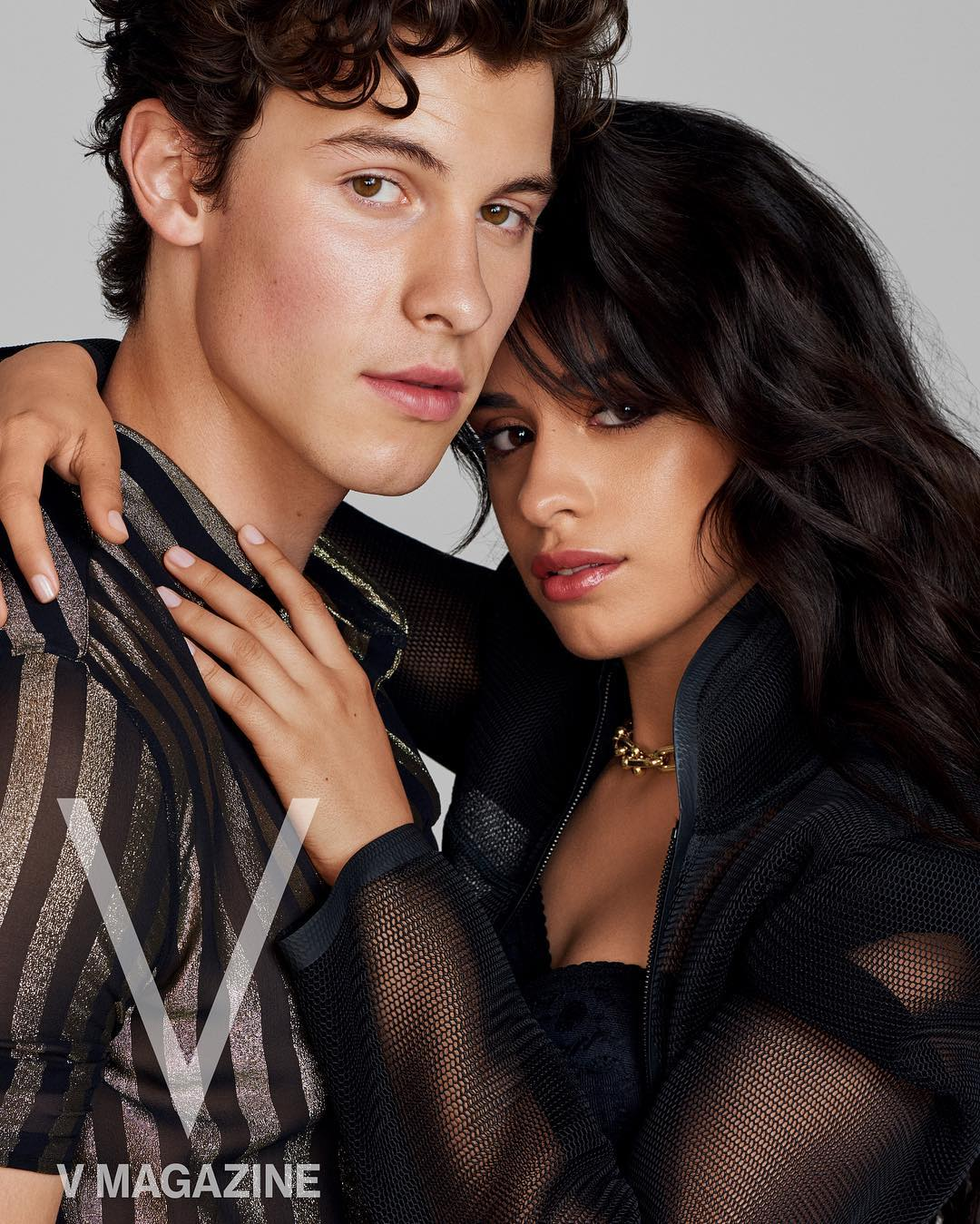 Rilis single Senorita, Shawn Mendes dan Camila Cabello berpose mesra