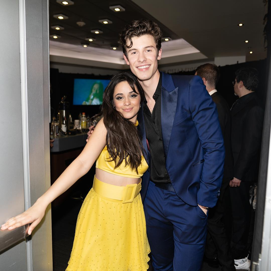 8 Potret friendship goals Shawn Mendes dan Camila Cabello