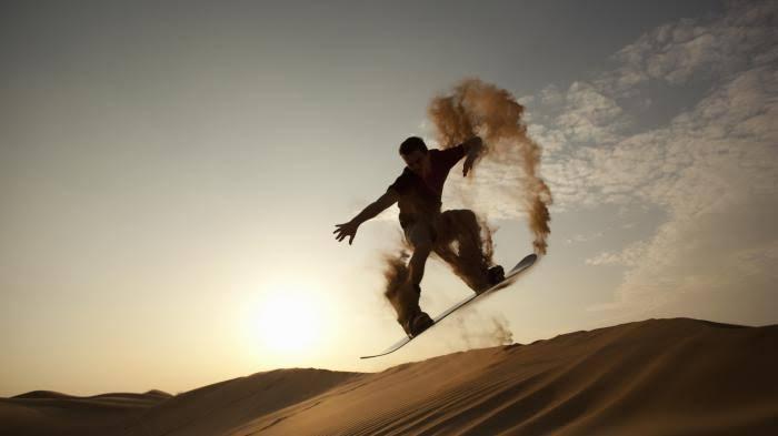 Sandboarding (sumber: Google)