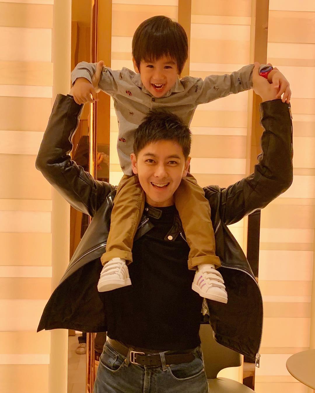 11 Potret harmonis keluarga Jimmy Lin, aktor multitalenta & awet muda