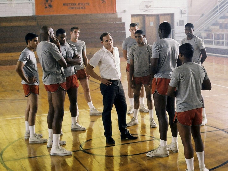 3 Film ini menceritakan kisah nyata tentang rasisme di dunia olahraga
