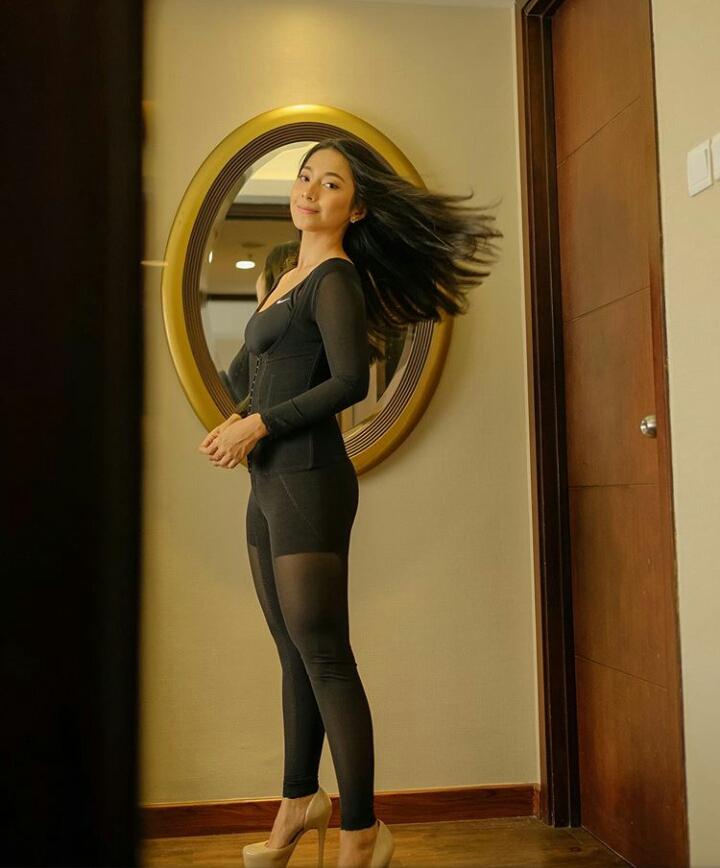 Turun 9 kilogram dalam 2 bulan, ini 8 potret body goals Dinda Kirana