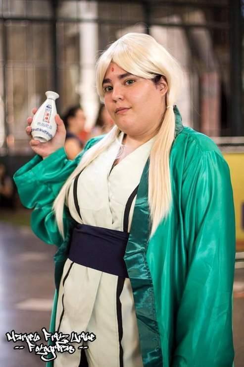 Dikenal cantik & seksi, 8 cosplay Tsunade ini malah bikin tepok jidat