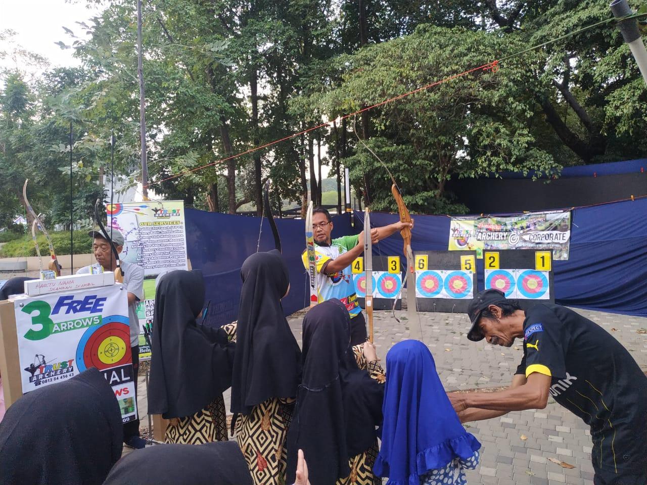 Kegiatan panahan, salah satu kegiatan luar ruangan yang diminati para pengunjung di ISEE FEST 2019
