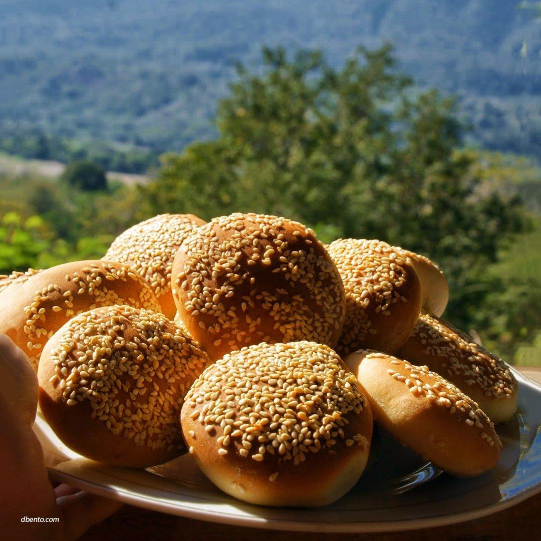 Roti Kompiang