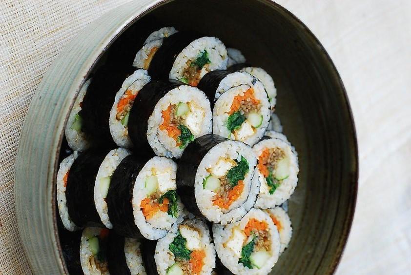 https://www.koreanbapsang.com/tofu-gimbap/