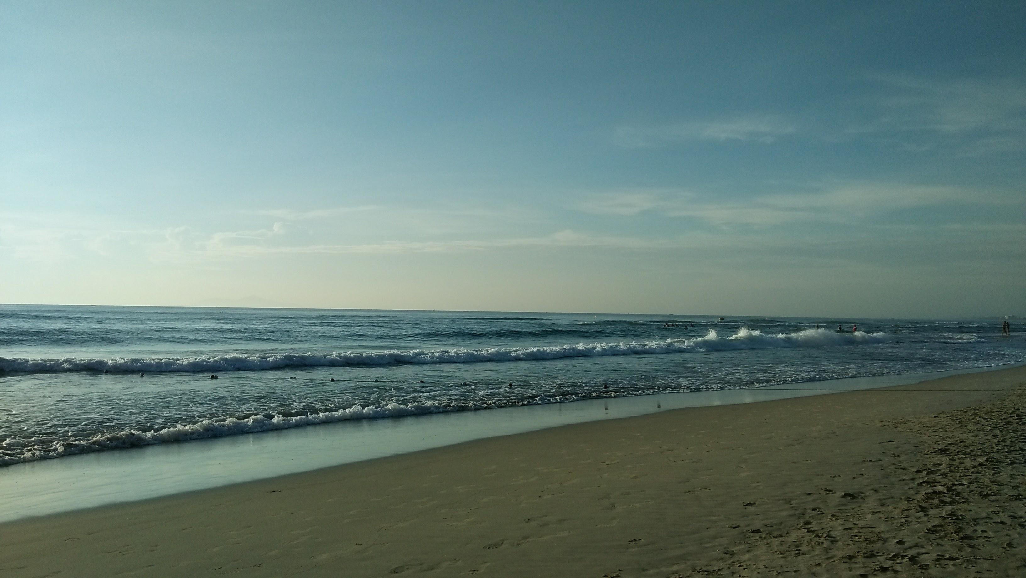 Pantai My Khe saat pagi hari