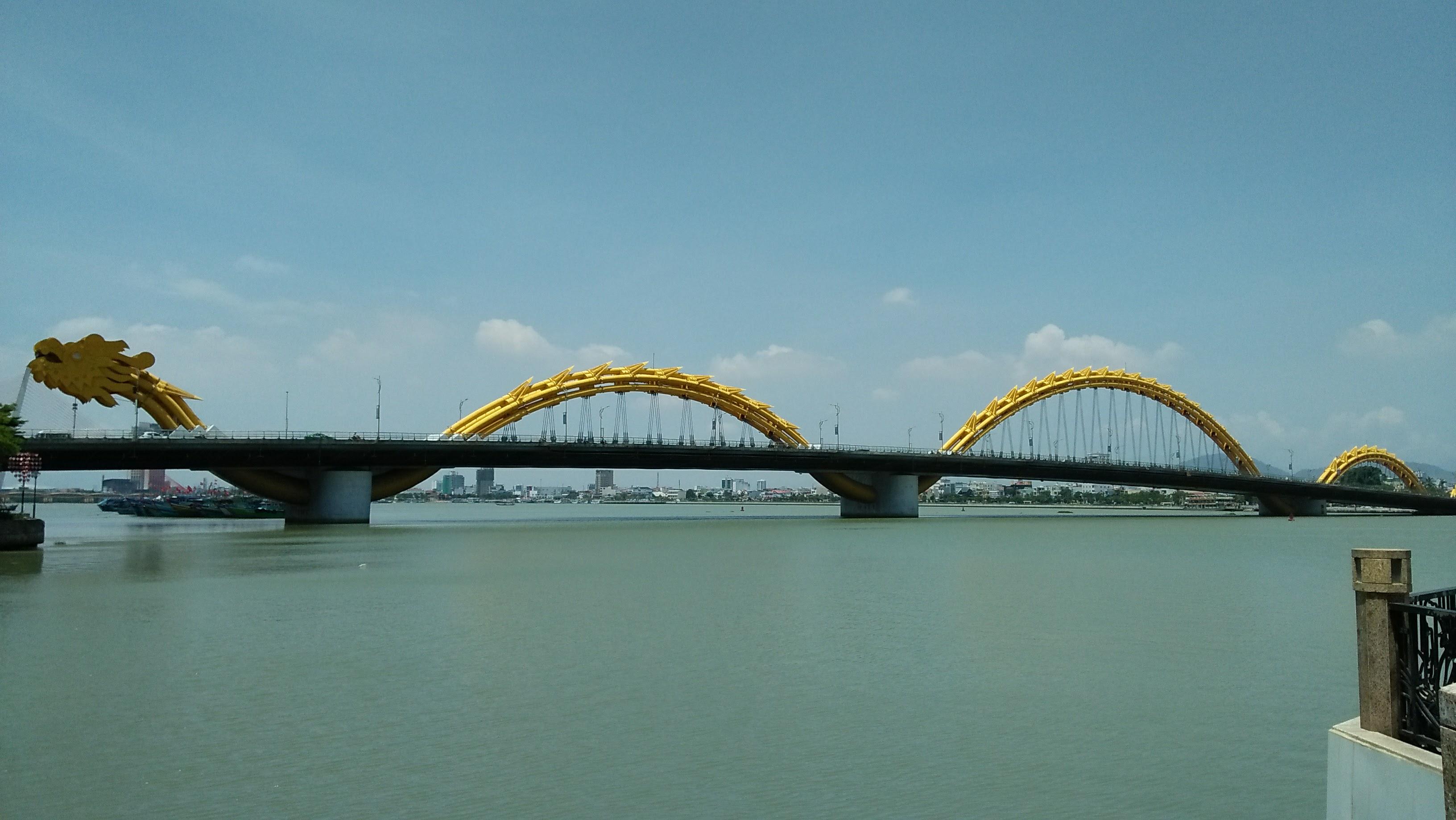 Dragon Bridge di Da Nang