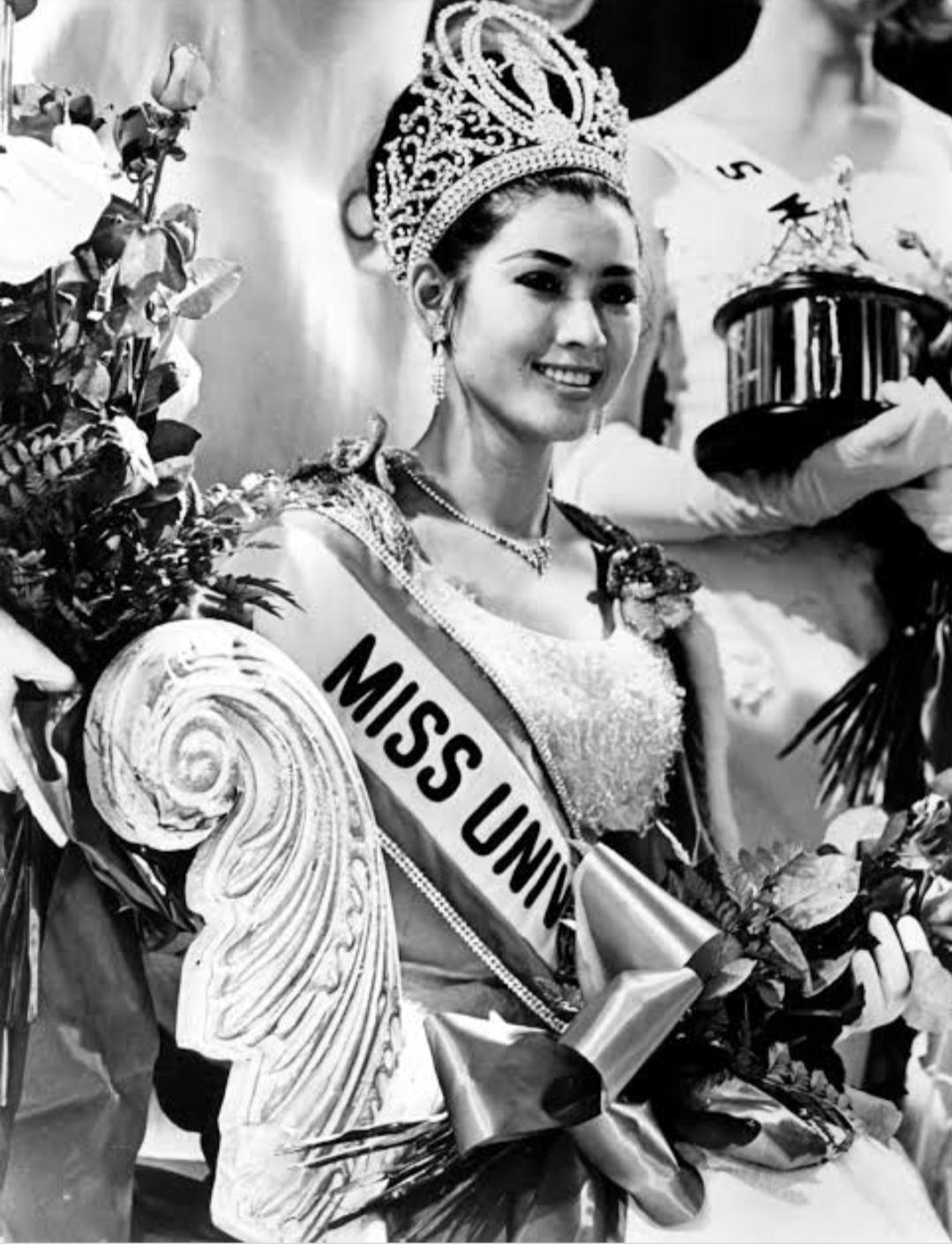 Aspara saat mendapat gelar miss Universe