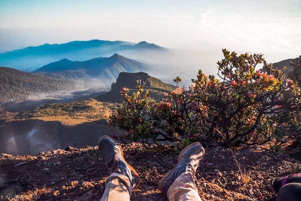 6 Hal yang kamu rasakan saat mendaki gunung ini akan mengubah hidupmu