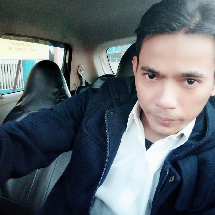 Aris Idol jadi driver taxi online
