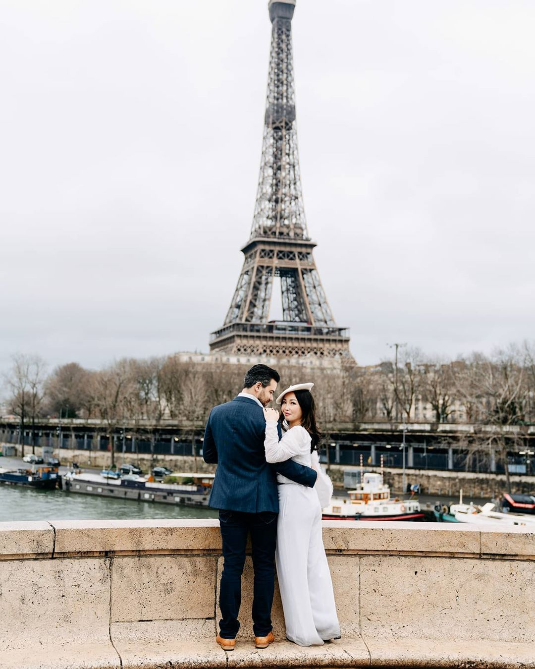 5 Potret romantis Chef Marinka dengan sang suami, mesra abis