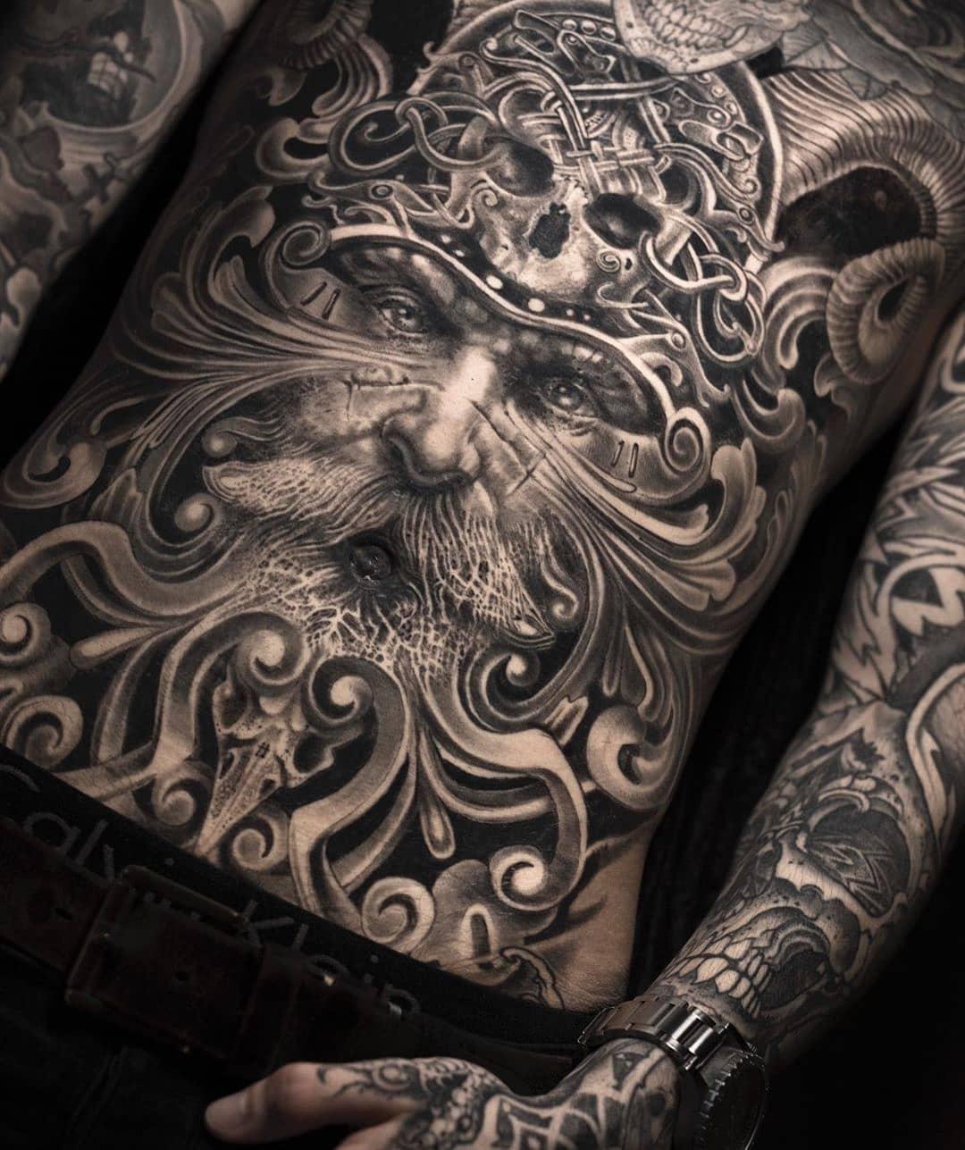 7 Potret tato ini bertema realistik, keren atau justru bikin ngeri?