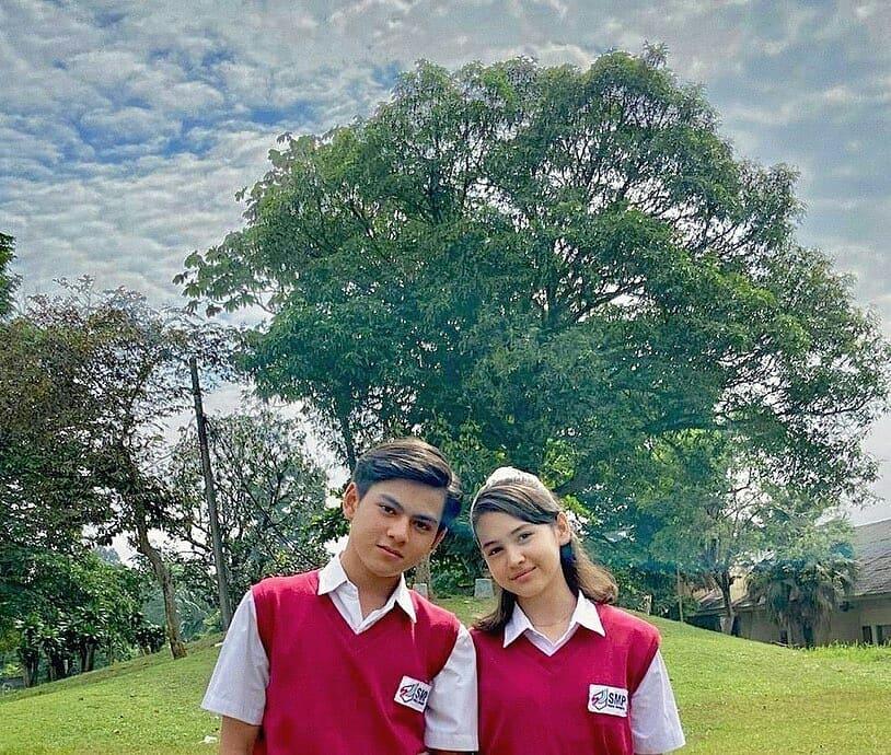 5 Potret romantis Joko dan Wulan dalam sinetron Dari Jendela SMP