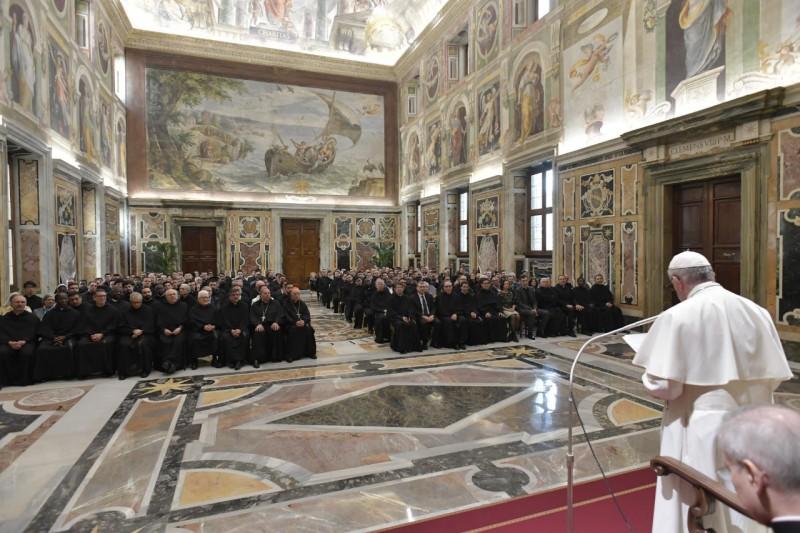 Prospero Grech: Kardinal cerdas yang mengedepankan kemanusiaan