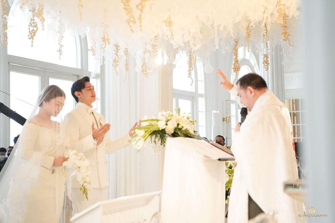 5 Momen pernikahan Caesar Hito & Felicya Angelista, penuh kebahagiaan
