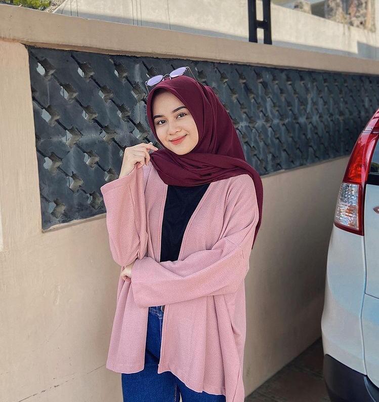 Sentuhan warna pink agar terlihat anggun dan feminim