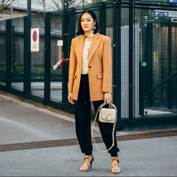 5 Fashion Essentials for Stylish Petite