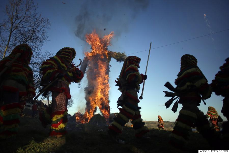 Karnaval menyeramkan berlumuran darah di Spanyol dan Portugal