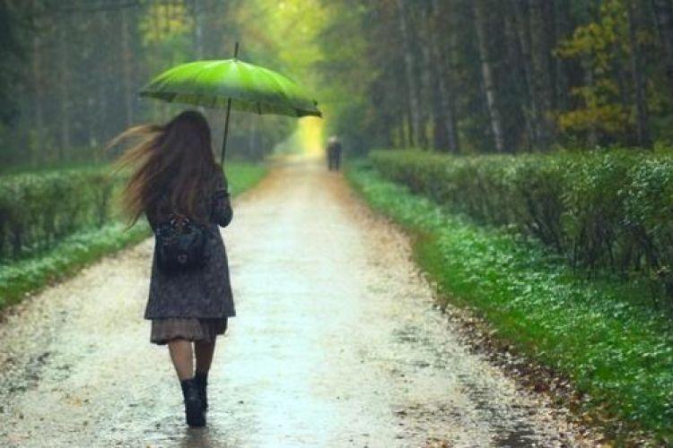 jangan dengar lagu ini pas hujan kalau kamu nggak pengen galau
